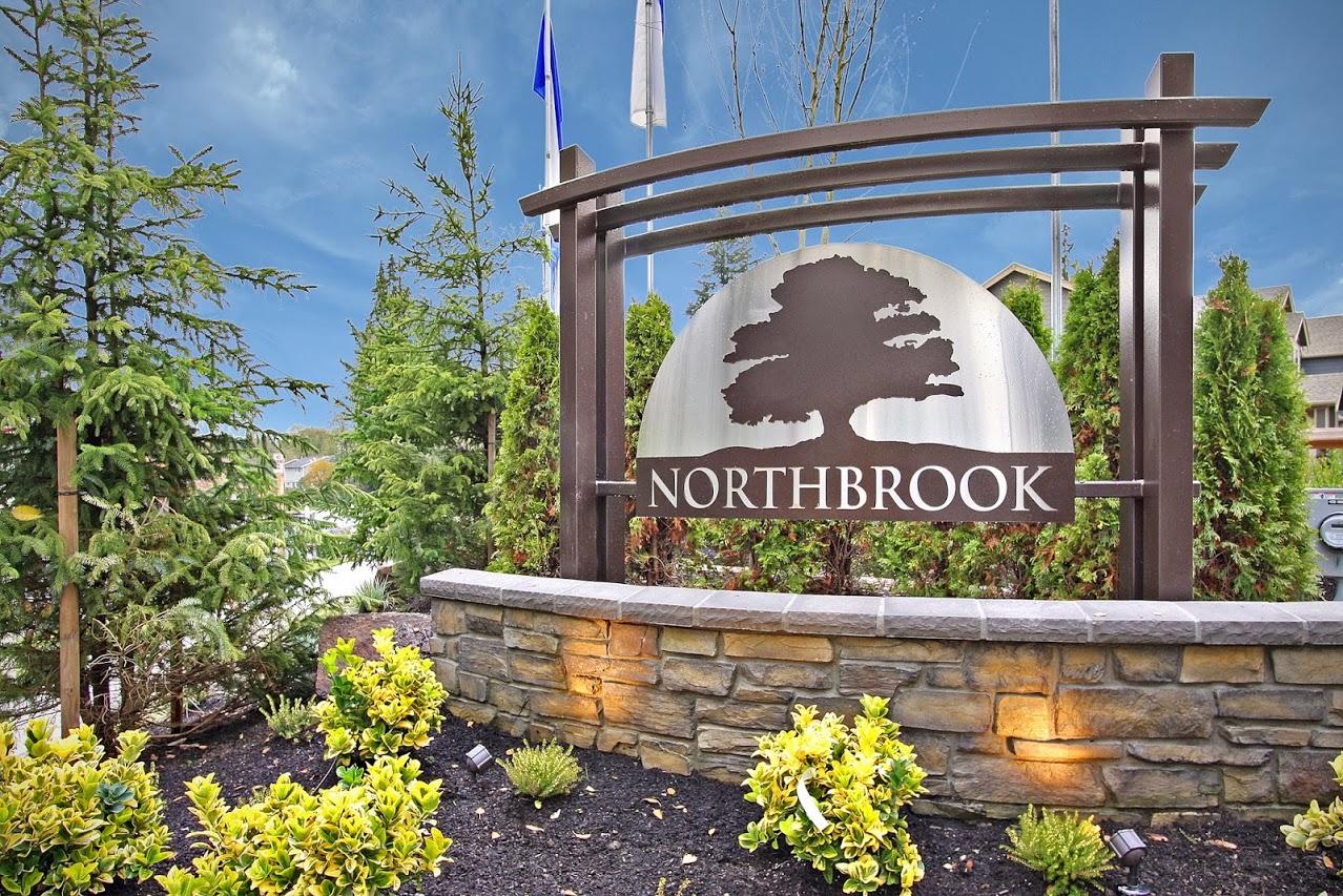 23 Northbrook Entry Monument.jpg