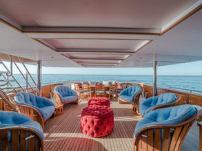 MAIN DECK COVERED SEATING
