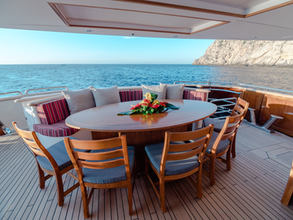 MAIN DECK DINING ​