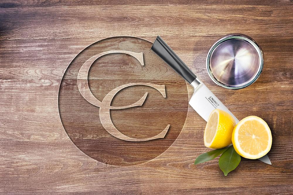 Chopping board with lemons