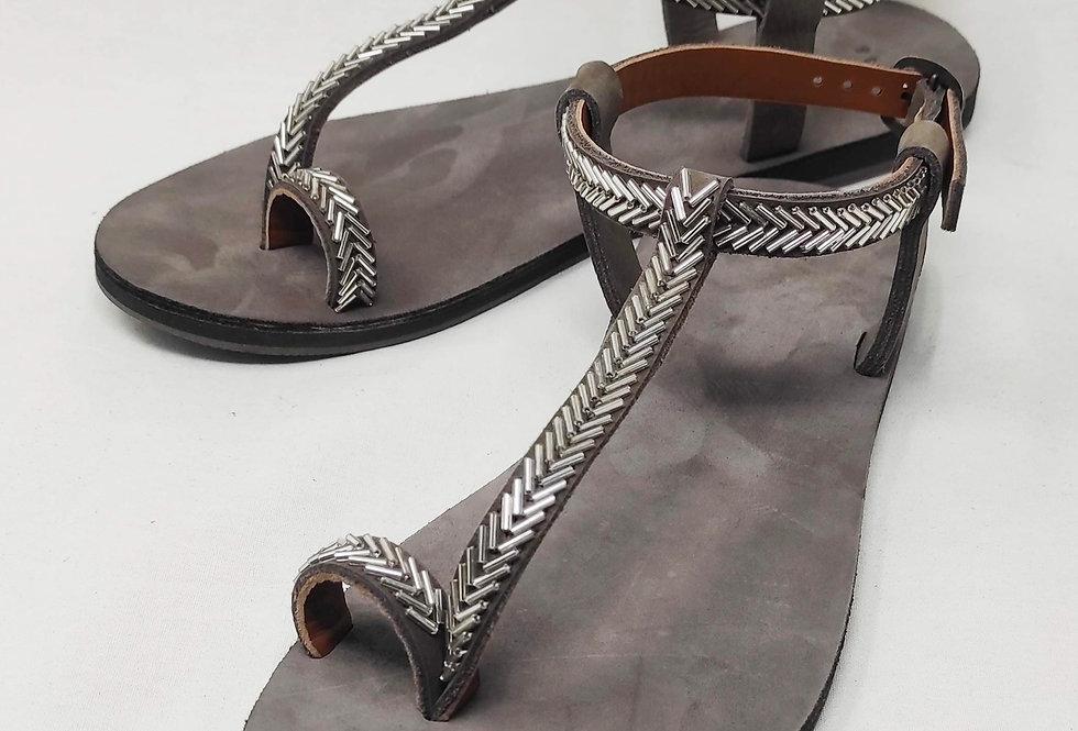 Yunis sandals