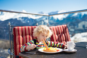 Relaxing lunchbreak - Skischool Tannberg Lech