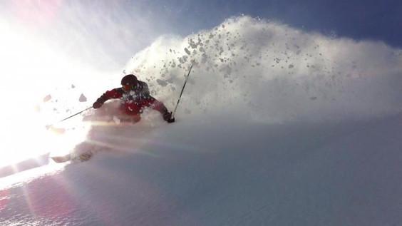 Ski-emg- Powder spray by EMG