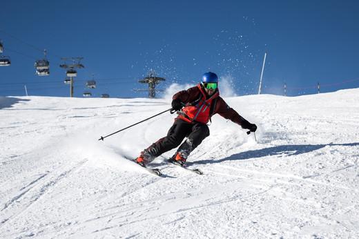 ski-emg-piste skiing on the Osthang