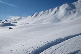 Ski-emg-Untouched powder