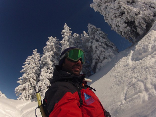 Ski-emg-off piste snowboarding