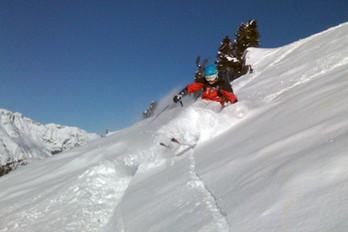 Ski-emg- off piste ski guiding