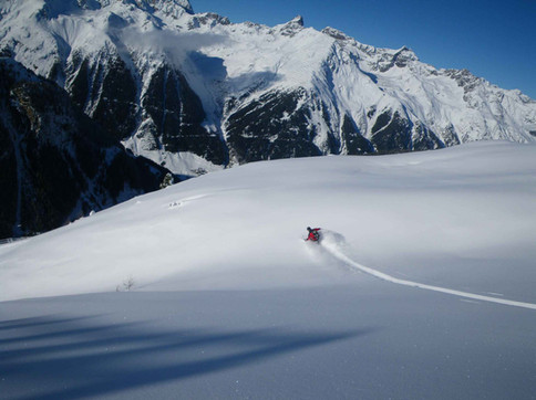 Off piste skiing to Kappl in Tyrol