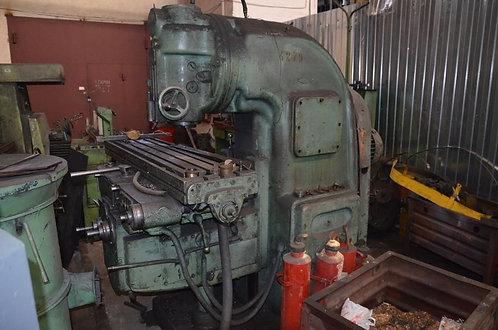 6М12П вертикальный консольно-фрезерный станок