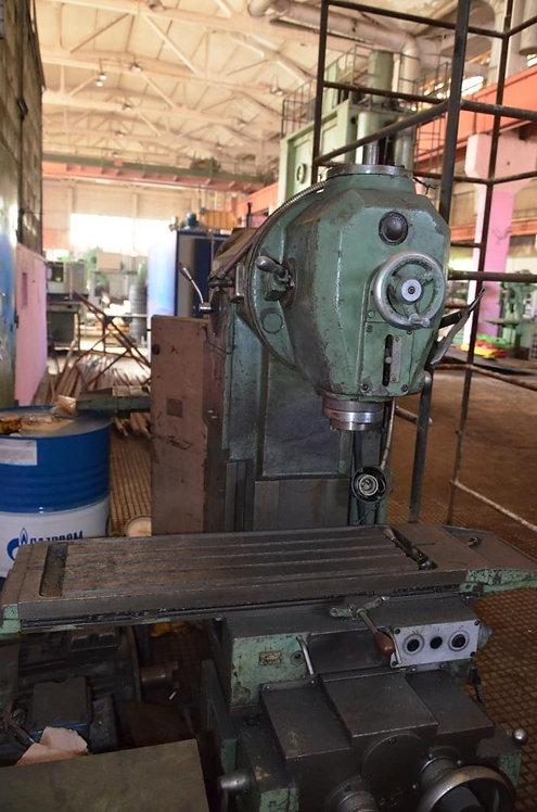6Р10 вертикальный консольно-фрезерный станок