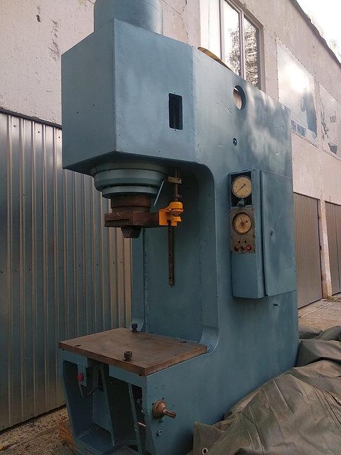 П6334А 250 т.ус. гидравлический одностоечный пресс