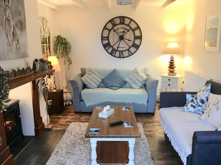 Min-Y-Ffordd Lounge.jpg