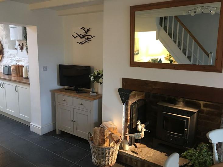 Min-Y-Ffordd Kitchen Fireplace.jpg