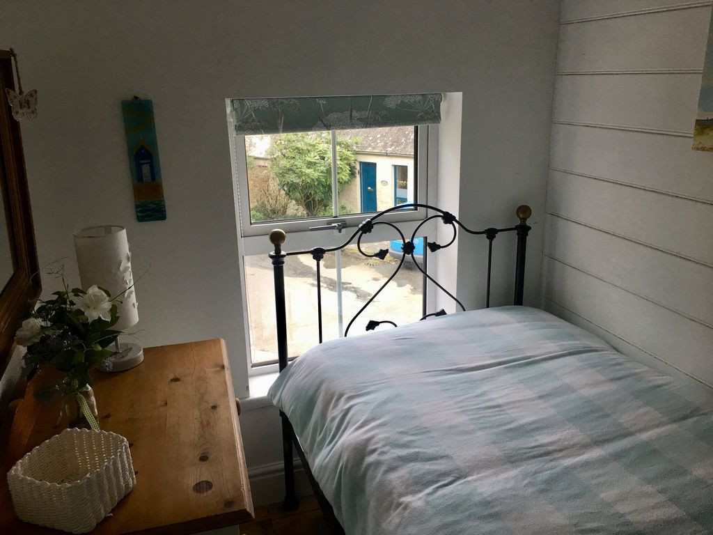 Min-Y-Ffordd Single Bedroom.jpg