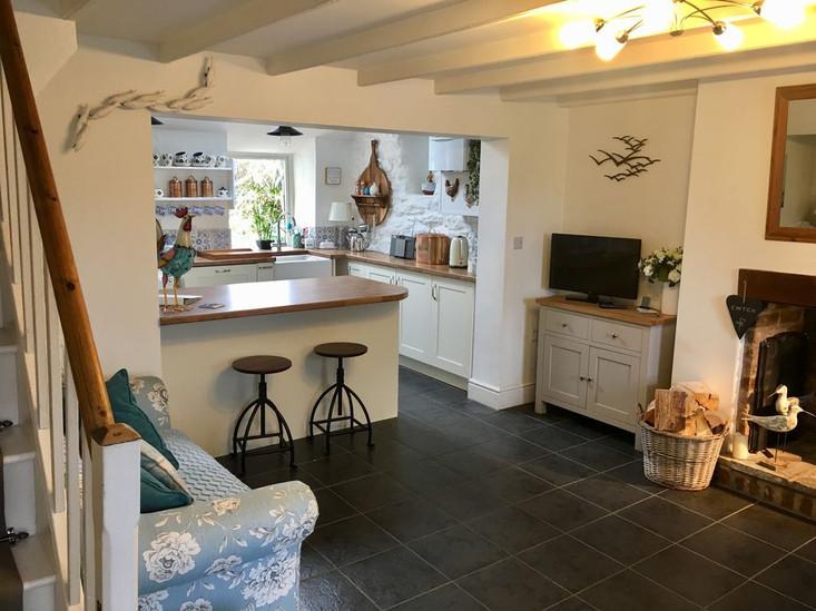Min-Y-Ffordd Kitchen_Diner.jpg