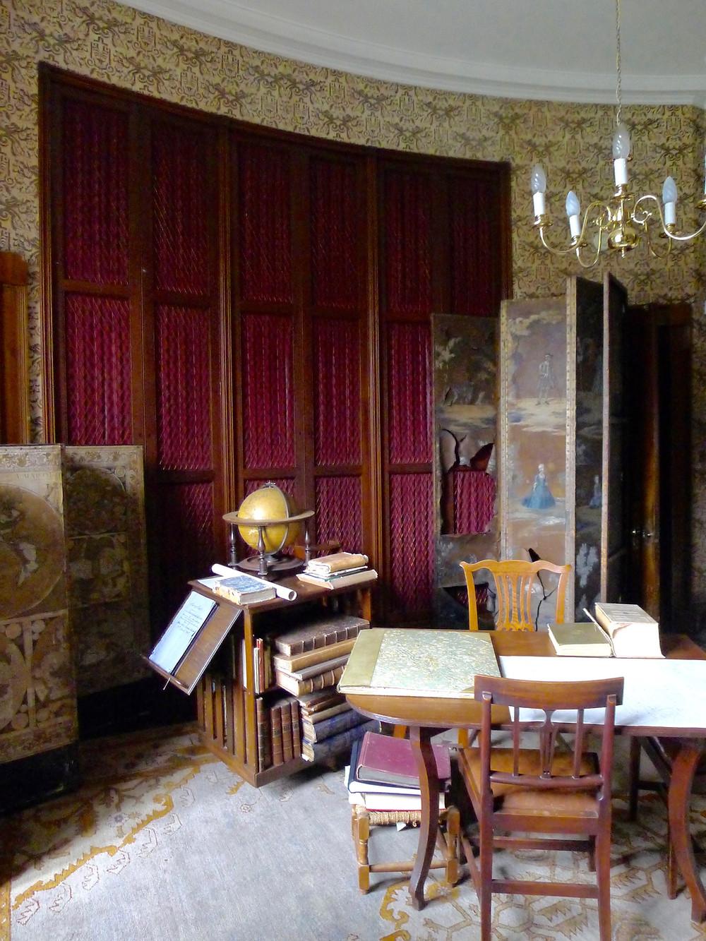 library at Kemnay House