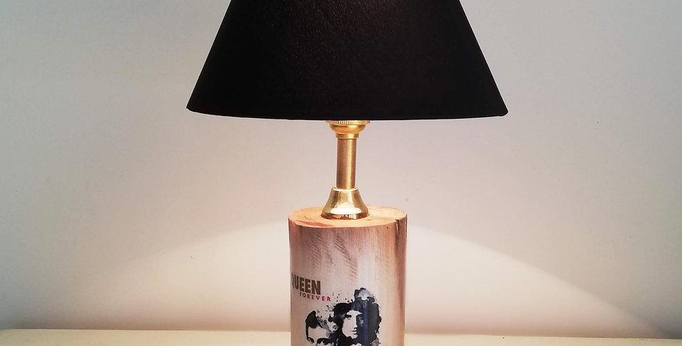 Tree Trunk Lamp: Queen