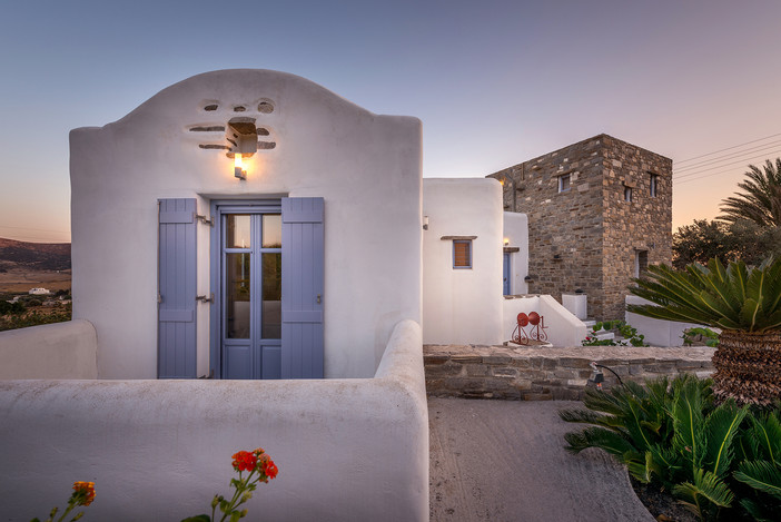 On assignment - Holiday house in Paros island