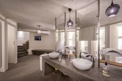 56_TRU toilets_800_9201