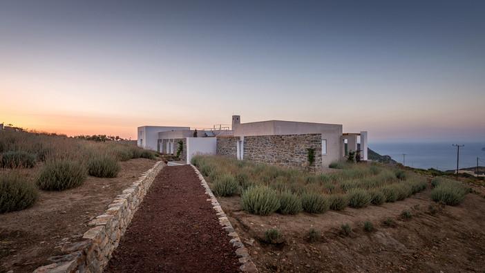 'Clover house' in Kythera island featured on KTIRIO magazine
