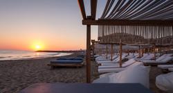Rinela Beach3_800_6379 post MR