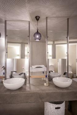 55_TRU toilets_800_9200