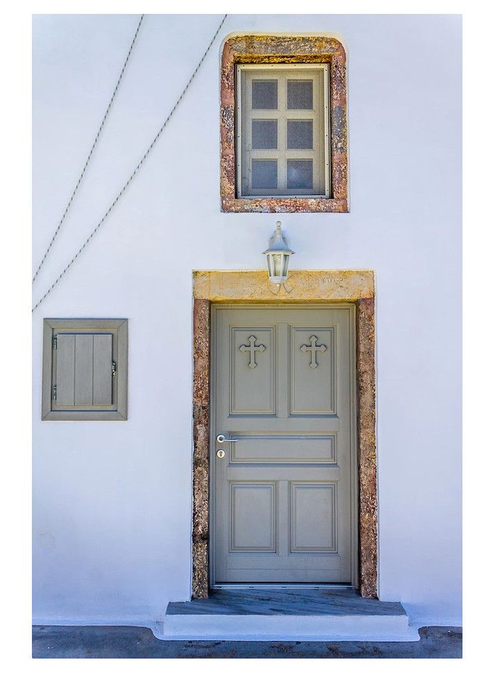 04 Allison Bierman_Pyrgos Santorini.jpg