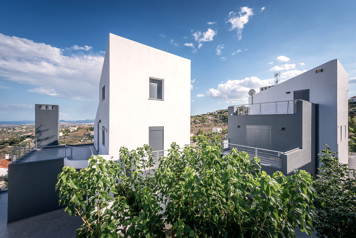 On assignment - double residence in Drafi Attica