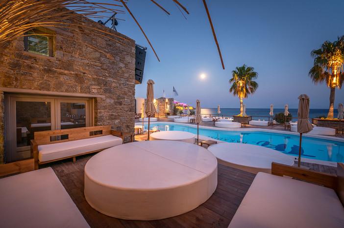 TRU Paradise Mykonos featured on Archisearch