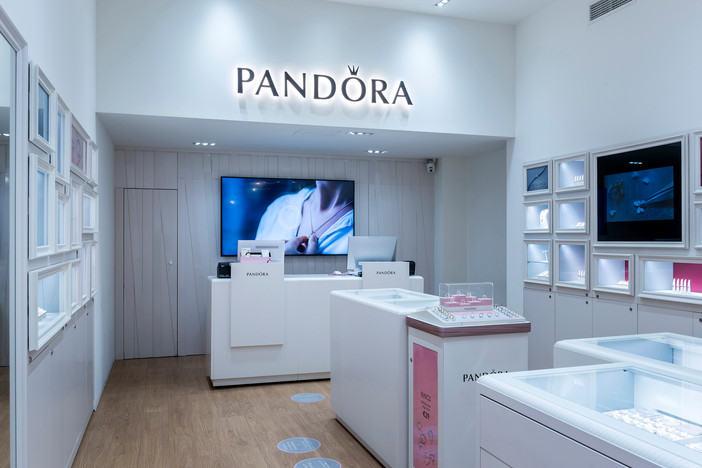 Project update - Pandora store by Office 25 Architects