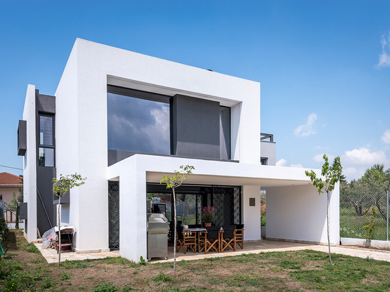 Photo shoot of the day for Office 25 Architects - Residence in Thermi