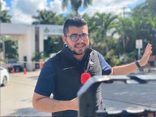 Hector Guarepo: Reportero en la semana y vendedor de fruta los fines
