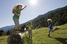 bambini-divertimento-naturno-vacanze.jpg