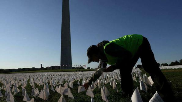 Les États-Unis dépassent le cap des 700 000 morts du Covid-19