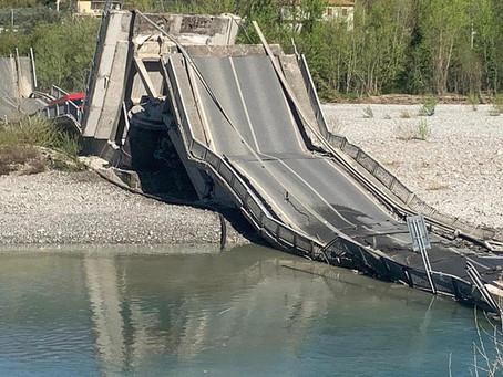 Italie : un nouveau pont routier s'effondre entre Gênes et Florence pendant le confinement