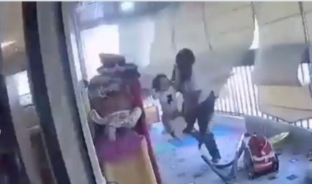 Geste héroïque: une femme de ménage sauve une petite fille durant les explosions à Beyrouth