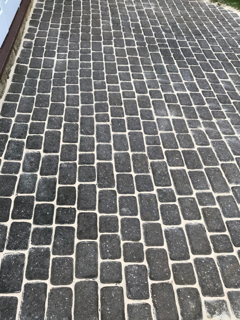 DRIVEWAY CLEANING AND TREATING EASTBOURNE HASTINGS BRIGHTON