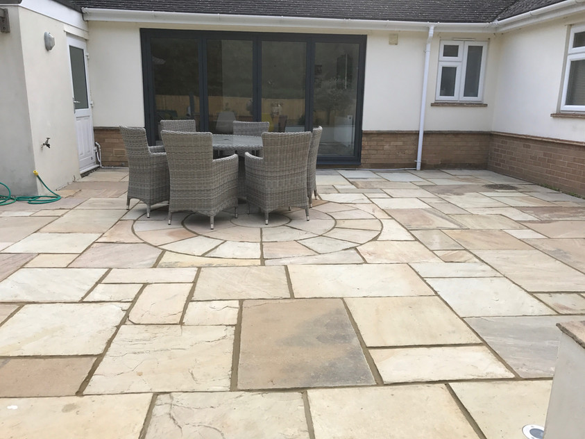 PATIO CLEANING AND TREATING EASTBOURNE BRIGHTON HASTINGS BEXHILL SEAFORD NEWHAVEN