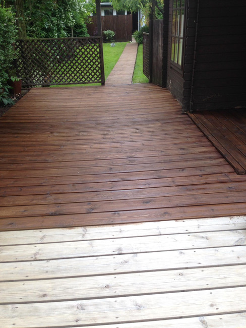 DECKING CLEANING AND TREATING