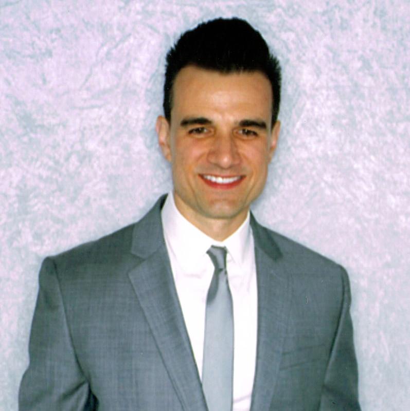 800x800_1426357441402-peter-suit-x1