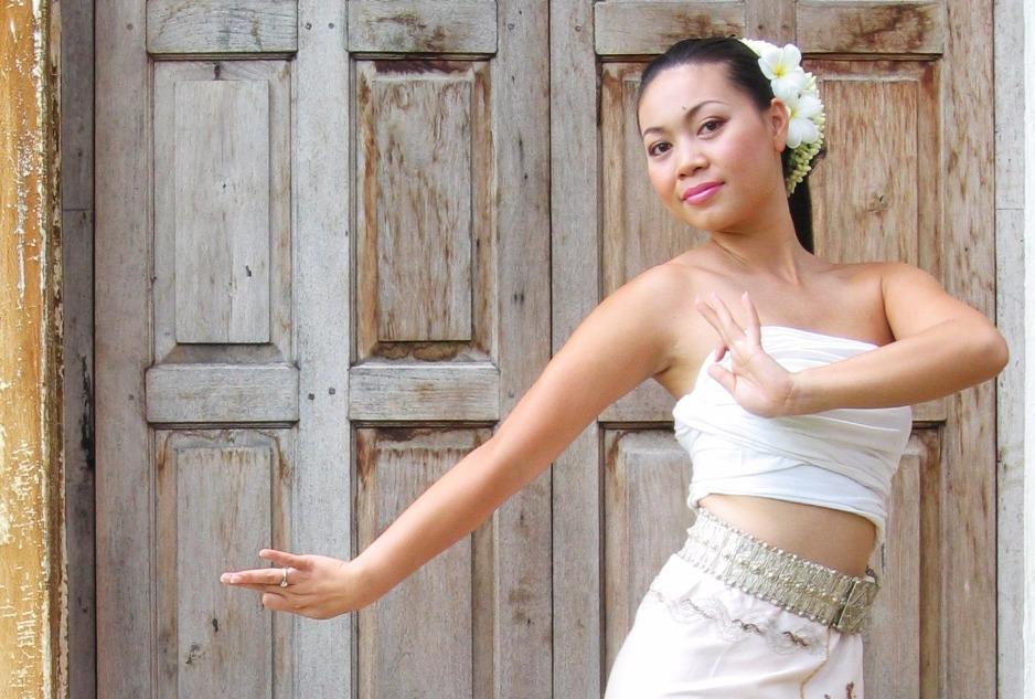 thai_dancers_edited