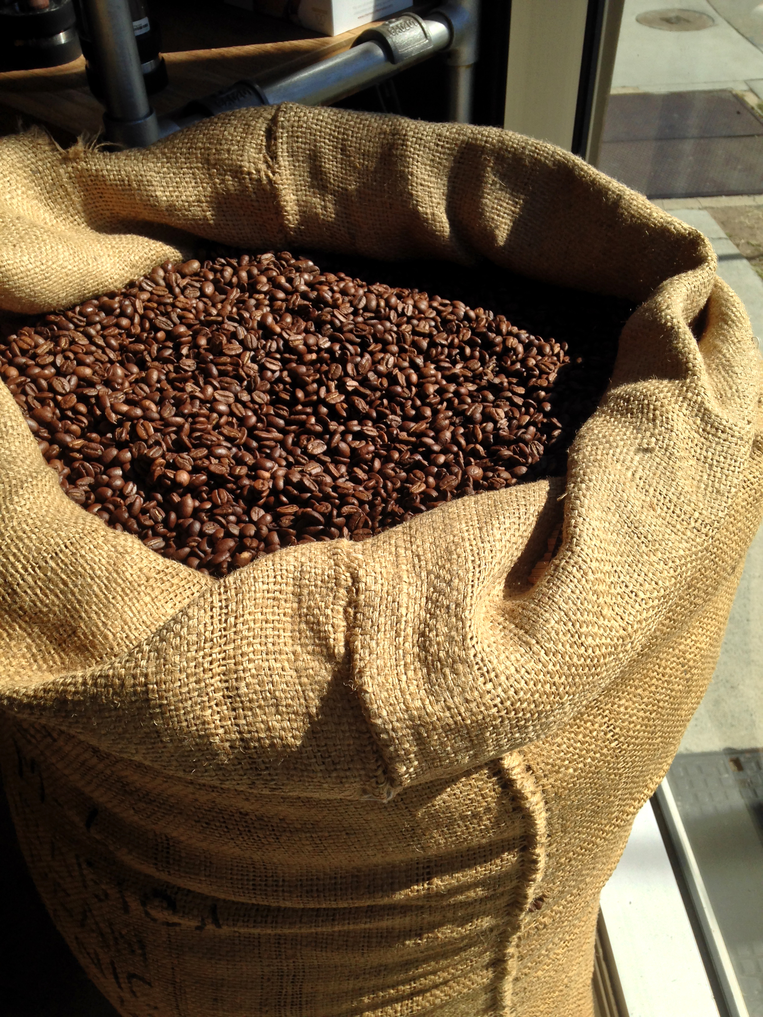 coffee-beans-in-sack-1615042