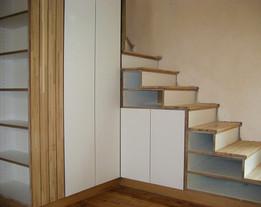 Escalier et placard