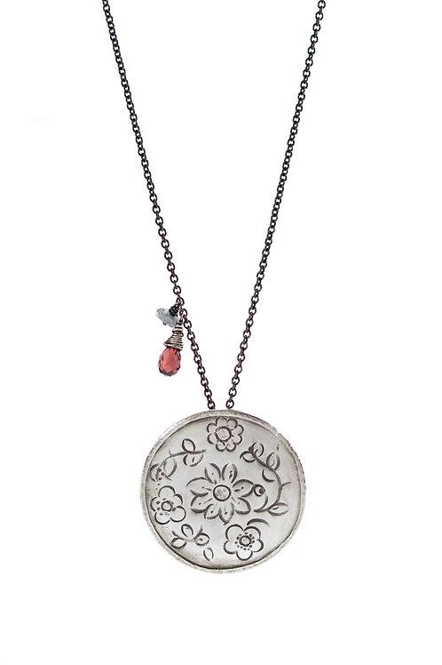 MOMENTOS mandala necklace