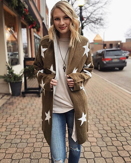 ⭐️Happy Friday⭐️_Find this cardigan at o