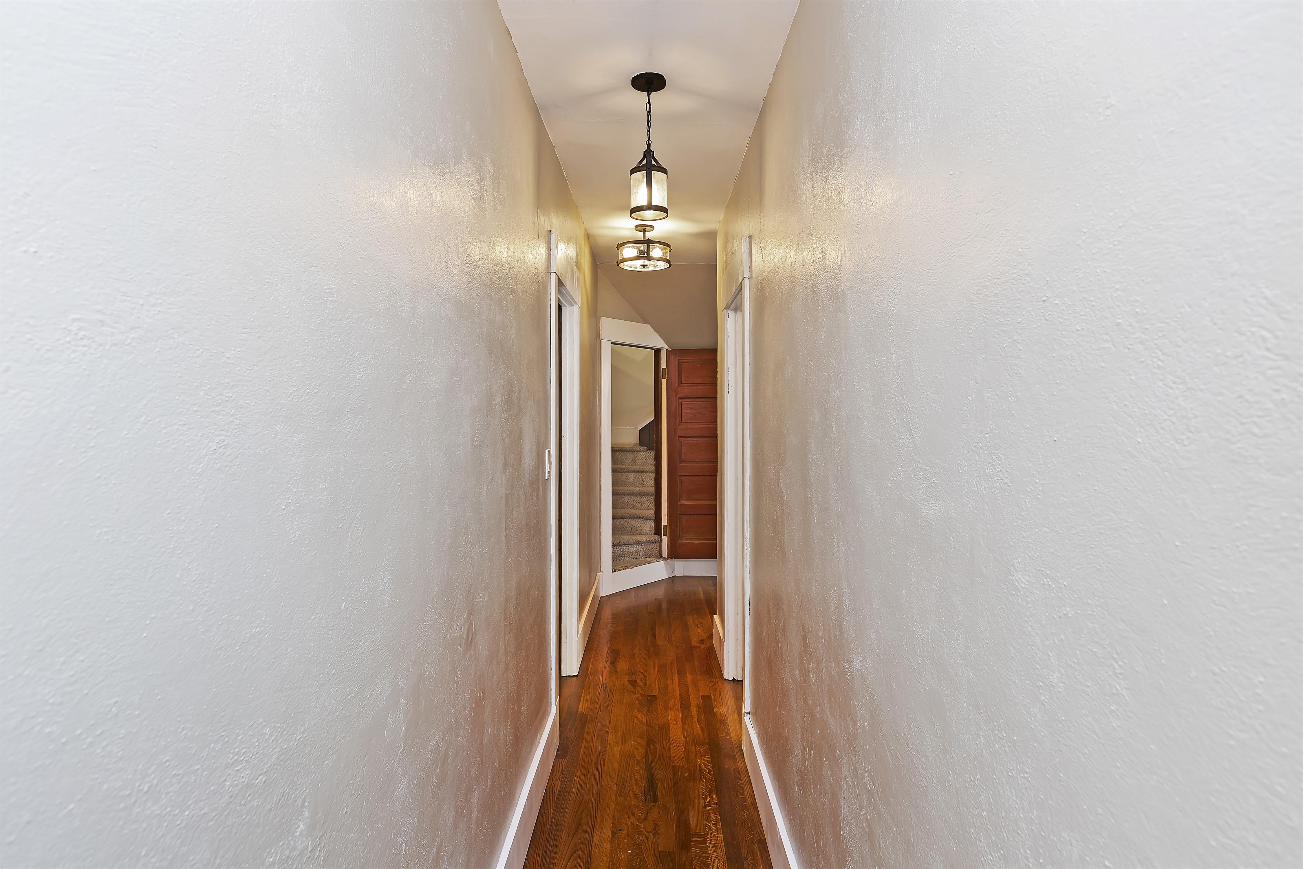 022_Hallway