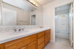 037_Bathroom