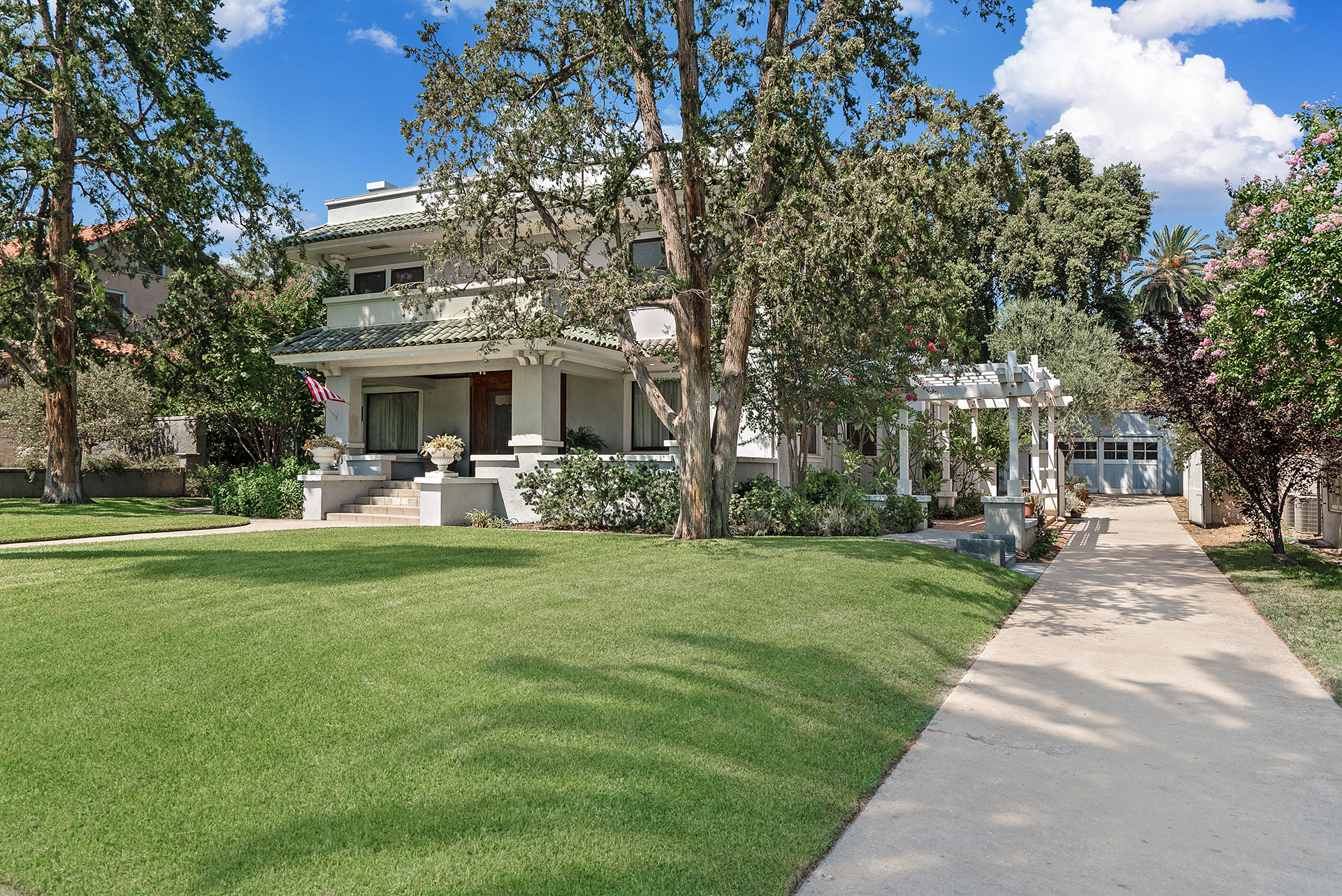 4541 Mission Inn by Famous Fred