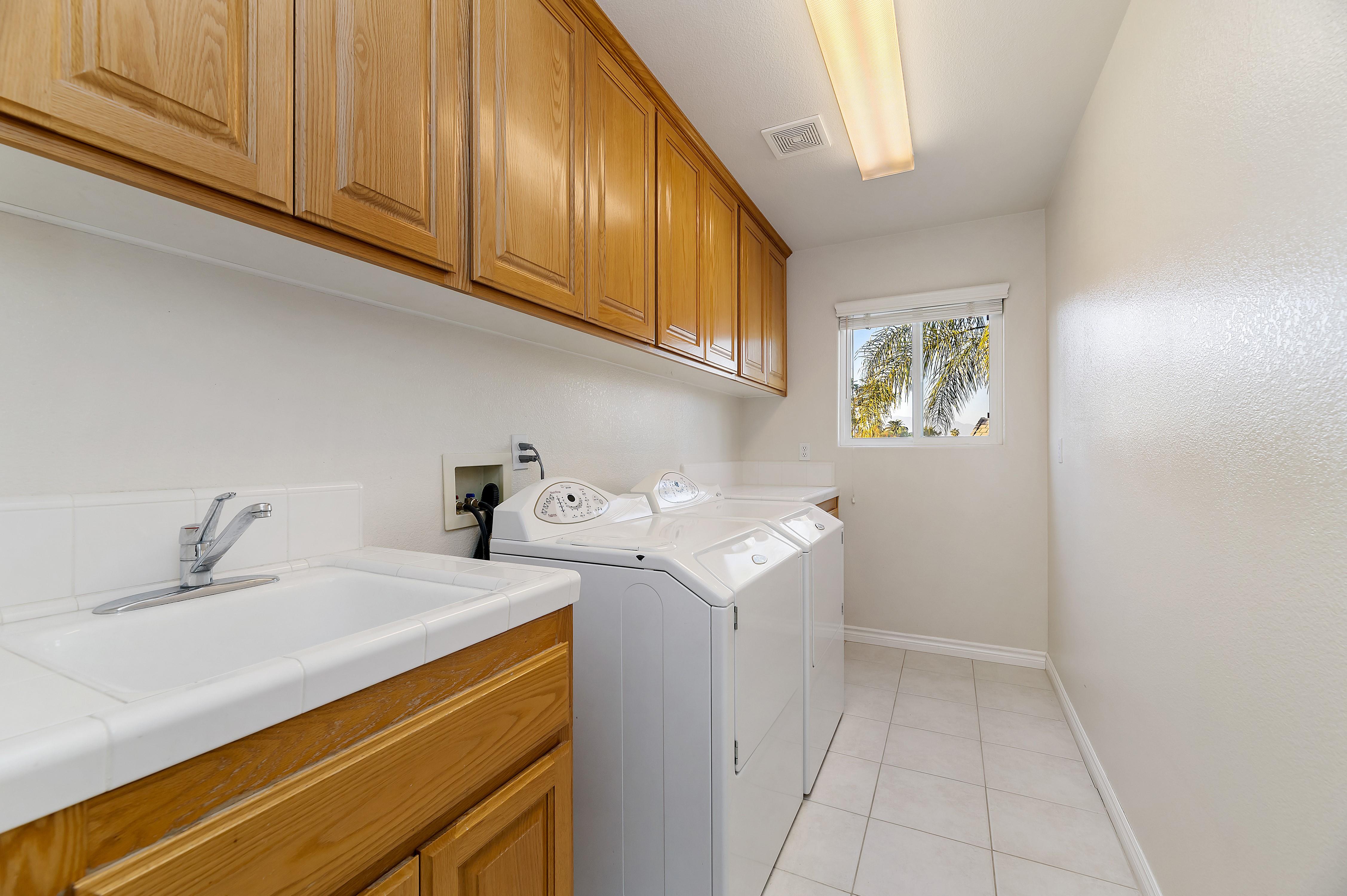 042_Laundry Room