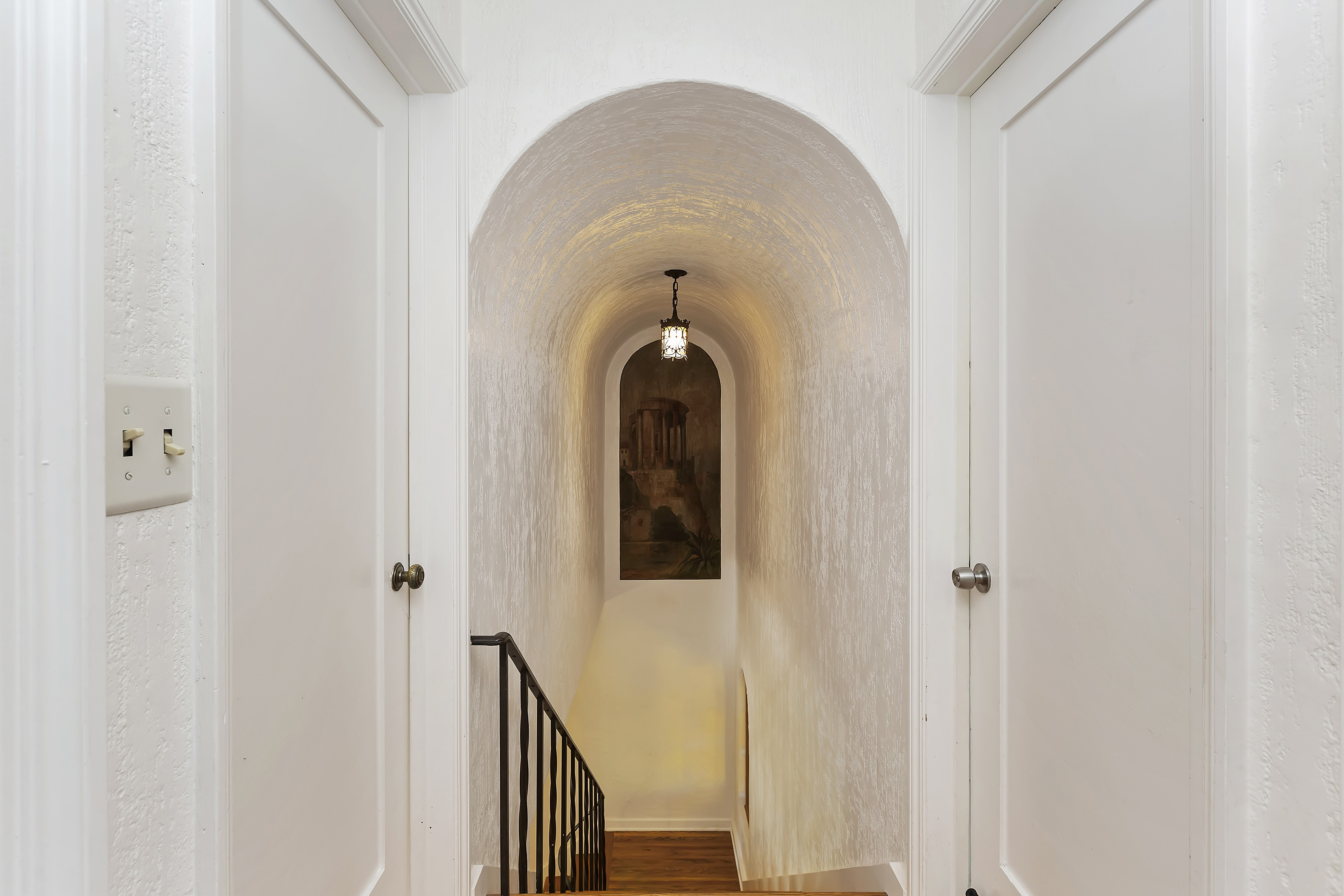 027_Arched Stairway